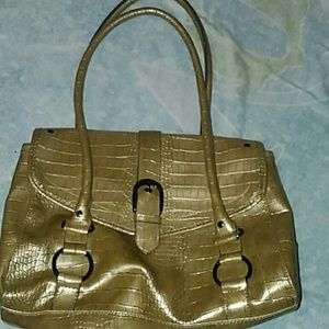 Mondani faux leather shoulder bag great for fall